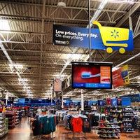 Photo taken at Walmart Supercenter by Vinicius V. on 8/29/2012