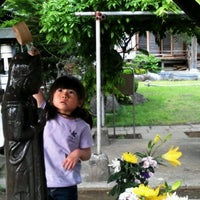 Photo taken at 蓮華寺 by Hiroshi S. on 5/16/2012