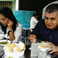 Photo taken at + Verde Restaurante by Anabel A. on 8/15/2012