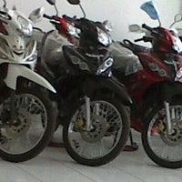 Photo taken at Yamaha Mataram Sakti Wirosari by mbah E. on 12/16/2011