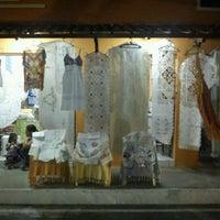 Foto tirada no(a) Feira de Artesanato - Rendeiras por Andrea Oliveira F. em 4/14/2012