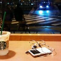 10/11/2011にRyo i.がStarbucks Coffee 御堂筋本町東芝ビル店で撮った写真