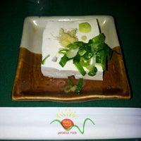 Foto tirada no(a) Waka House Japanese Food por Breno P. em 5/4/2012