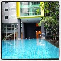 Photo taken at Kuningan Place Swimming Pool by Tammy T. on 5/18/2012