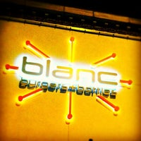 Photo taken at Blanc Burgers + Bottles by Jason C. on 11/20/2011