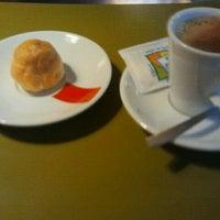 Foto tomada en Café Bar Cristal por Rafa G. el 12/14/2011