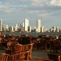 Foto tomada en Café del Mar por Angela A. el 6/22/2012