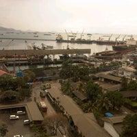 Photo taken at Packing Plant PTSP Teluk Bayur by Doni M. on 12/1/2011