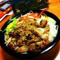 Photo taken at Cha Pa's Noodles and Grill by Marissa on 7/16/2012