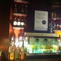 3/30/2012 tarihinde Pepa L.ziyaretçi tarafından Dry Martini'de çekilen fotoğraf