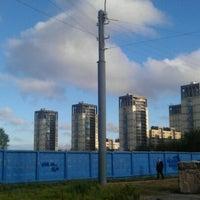 Photo taken at остановка Новосмоленская набережная by Яна Е. on 8/29/2012