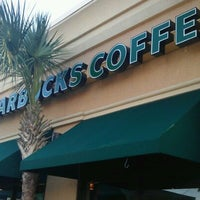Photo taken at Starbucks by Melvin B. on 10/2/2011