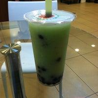 Photo taken at Chill Bubble Tea by Reggi R. on 3/11/2012