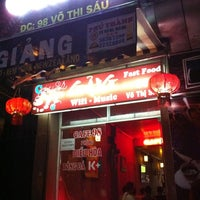 Photo taken at Cafe Giảng (98 Võ Thị Sáu) by AT on 9/18/2011