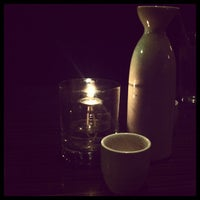 Photo prise au Wokcano Asian Restaurant & Lounge par Vera M. le4/15/2012