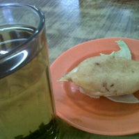 Photo taken at Restaurant Stuff Crab Kemaman by Apple A. on 8/31/2012