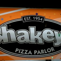 Photo taken at Shakey's Pizza Parlor by Kim C. on 12/24/2011