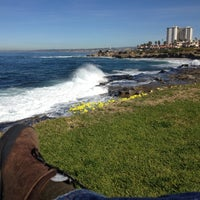 Foto tirada no(a) La Jolla Tide Pools por Shawn B. em 1/25/2012