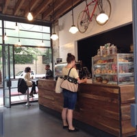 5/23/2012にMarc L.がGasoline Alley Coffeeで撮った写真