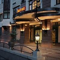 Снимок сделан в Marriott Moscow Tverskaya пользователем Natalia S. 8/28/2011
