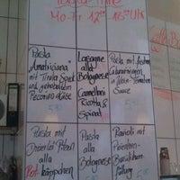 Das Foto wurde bei La Pausa von kosmar k. am 9/6/2011 aufgenommen
