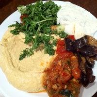 Das Foto wurde bei Cafe Agora von Owen am 3/13/2011 aufgenommen
