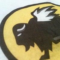 8/17/2012 tarihinde Megan W.ziyaretçi tarafından Buffalo Wild Wings'de çekilen fotoğraf