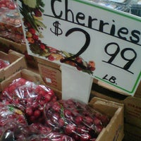 Photo taken at Fort Lee Farmer's Market by Mendy M. on 5/29/2012