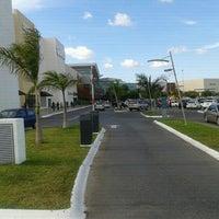 Foto tomada en Plaza Altabrisa por Abraham C. el 12/18/2011