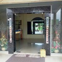 Photo taken at Hotel Mahkota PangkalanBun by Joesi C. on 12/3/2011