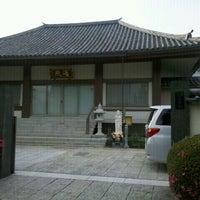 Photo taken at 遍照院 by miyajun on 6/4/2012
