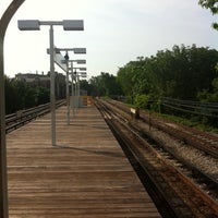 Photo taken at CTA - Jarvis by Elena R. on 6/21/2011