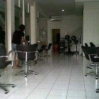 Photo taken at Minik Salon by viesta k. on 4/5/2012