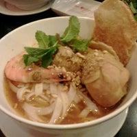 Photo taken at Mì Quảng Ngon Phan Thiết by Tsuki N. on 7/22/2012