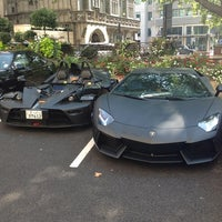 Photo taken at The Dorchester by 수미 on 9/4/2012