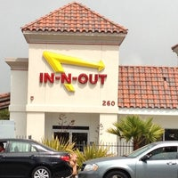 Photo taken at In-N-Out Burger by Taylor B. on 8/16/2012