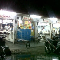 Photo taken at Pasar Tarandam by Desri Y. on 11/25/2011