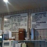 Photo taken at Pie 'n Burger by Nikki22LA on 6/29/2011