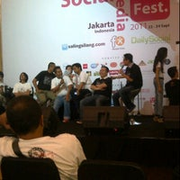 Photo taken at Indonesia Social Media Festival 2011 (SocMedFest) by Enda N. on 9/23/2011