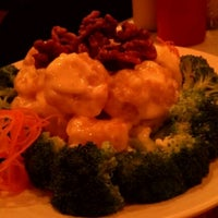 Photo taken at Chen's Gourmet Chinese Restaurant by Tim D. on 12/21/2011