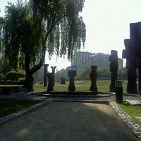 Foto tirada no(a) Parque de las Esculturas por Chongo em 10/23/2011