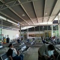 Foto tomada en Terminal de Autobuses Nuevo Milenio de Zapopan por Antonio G. el 12/31/2011