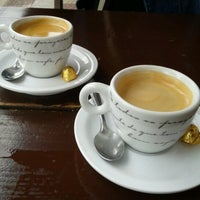 Снимок сделан в Cafe Bressan пользователем Paulo M. 6/10/2012