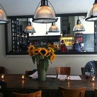 รูปภาพถ่ายที่ Kaffe 1668 โดย Anna F. เมื่อ 9/8/2012