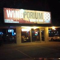 11/4/2011 tarihinde Brian R.ziyaretçi tarafından Wingporium'de çekilen fotoğraf