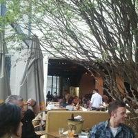Foto tirada no(a) Bar Botica por Almir M. em 12/15/2011
