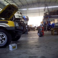 Photo taken at Quantum Car Care by Zul H. on 4/21/2011
