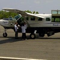 Foto diambil di Bandar Udara Tunggul Wulung (CXP) oleh M Andri A. pada 8/26/2012
