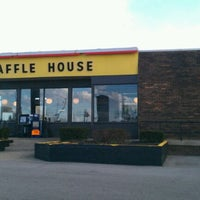 Photo taken at Waffle House by Lee P. on 1/29/2012