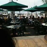 Das Foto wurde bei Wave Seafood Kitchen von Birsin S. am 8/13/2011 aufgenommen